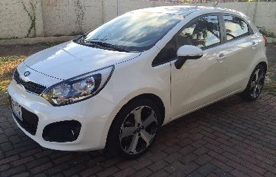 for sale a very good condition kia rio 2015 bought from universal